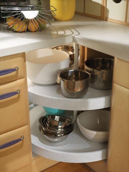 Угловой шкаф для кухни