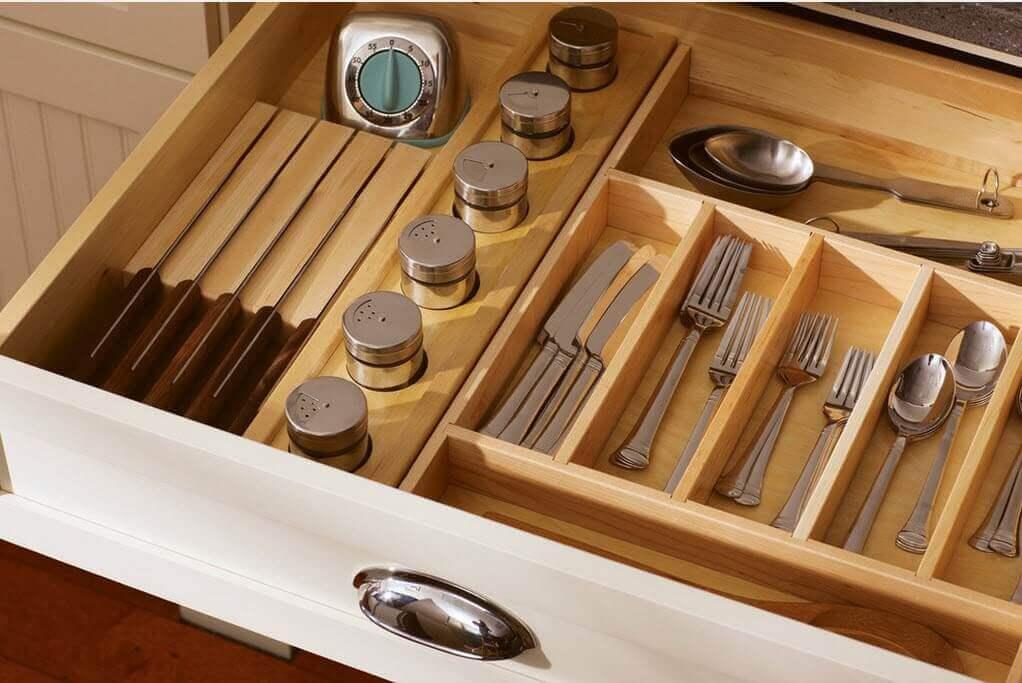 Кухонная секция для предметов